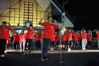 学年レクトップバッターは6組!氣志團を踊ります。