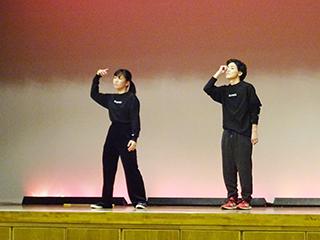 男女2人組ダンスユニット